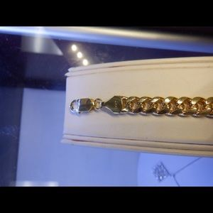 Jewelry - 14k solid real yellow gold Cuban link 7.5 width
